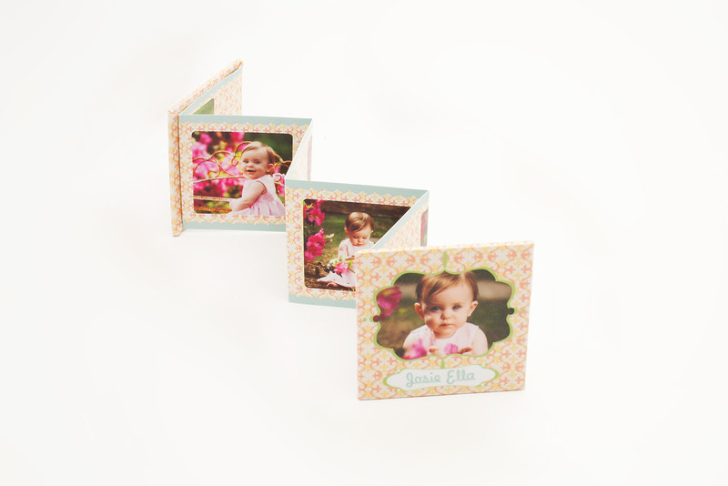 Accordion Minis:  Tiny in size with a snap-shut cover, Accordion Minis are great on-the-go, making it easy for you to show off your portraits to family and friends.