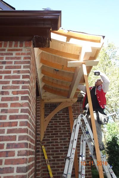 Custom Cedar Front Porch with Wood Bracket 02T10