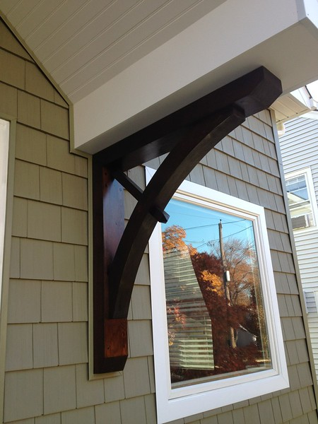 Front Porch with Wood Bracket 13T2