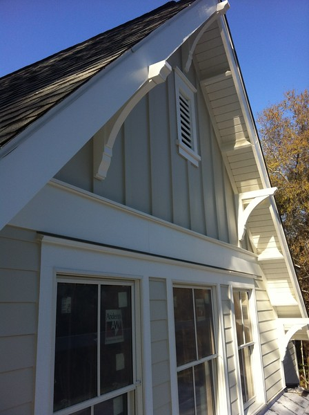 Gable End Overhang with Wood Bracket 02T1