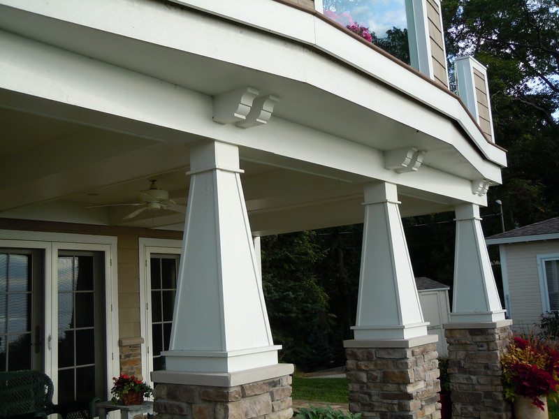 Pergola Over Garage with Wood Bracket 10T2