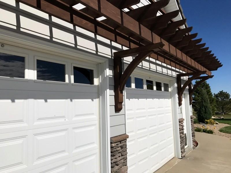 Pergola over Garage Door with Wooden Bracket 10T11