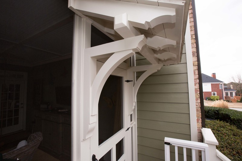 Porch with Wood Bracket 02T34