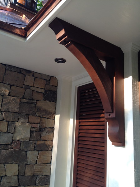 Wood Bracket 10T2 - Pool House