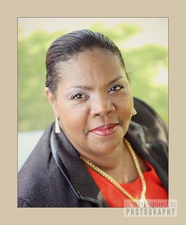 Professional Portrait: Dr. Lori Hobson