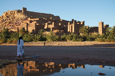 Crossing to Ait Ben Haddou