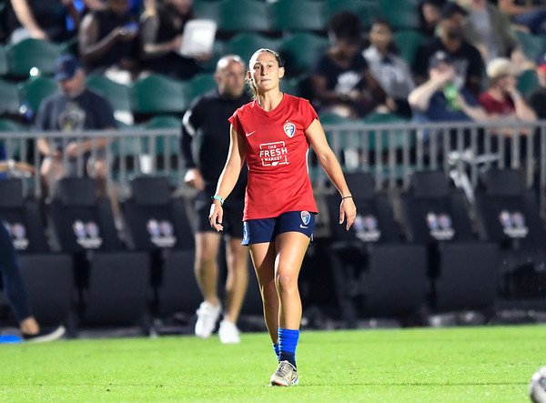 North Carolina Courage vs Racing Louisville FC 10/06/21 Sahlen's Stadium at WakeMed Soccer Park Cary, NC  Photographer: Gregory Ng from Follow Greg Sports Photography  SoccerPhotographer.com Instagram: FollowGregSports