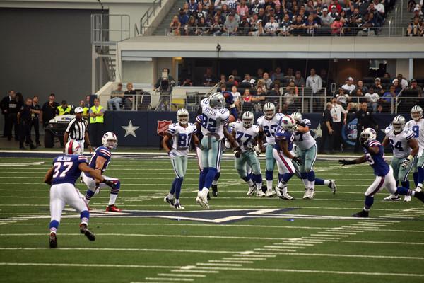 Cowboys vs Bills Nov 12, 2011 (37)