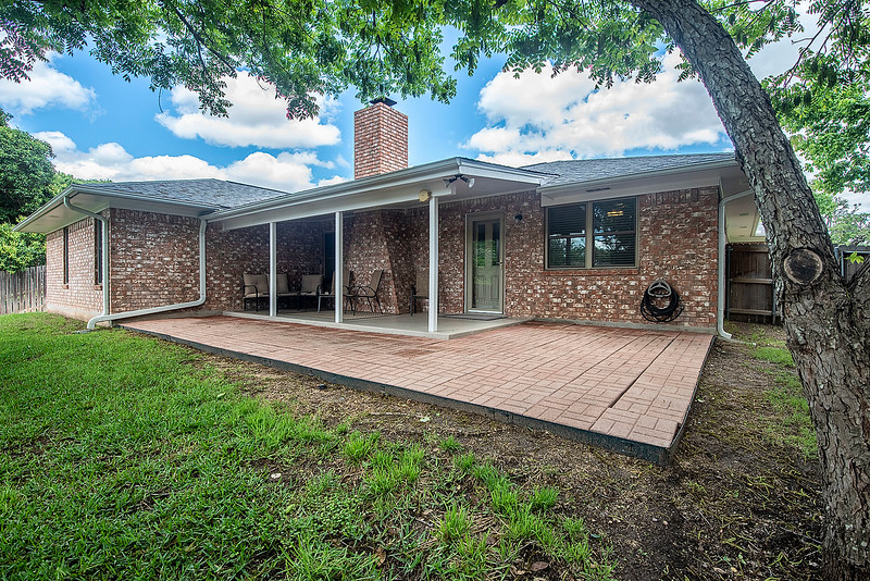 Kerrville - 414 Meadow Ridge - K/W Realty