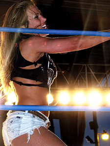 Mickie James TNA Impact Wrestling House Show