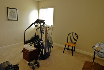 BEDROOM / WORK OUT ROOM