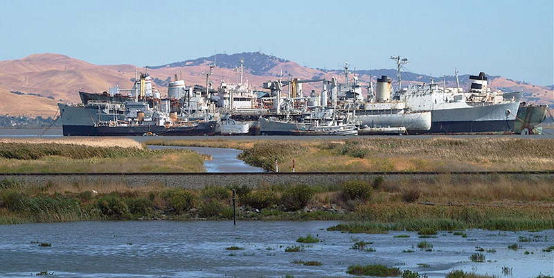Mothball Fleet, Suisun Bay_Ingrid Taylar, Wikimedia Commons