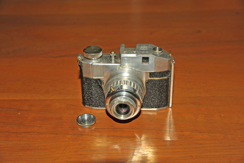 Vintage Antique Cameras - AFTER cleaning and testing - Bencini Comet S