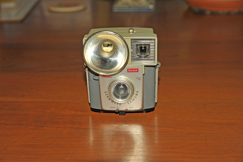 Vintage Antique Cameras - AFTER cleaning and testing - Kodak Starmite Camera