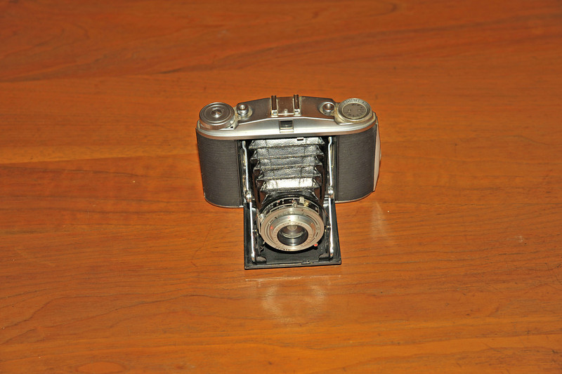 Vintage Antique Cameras - AFTER cleaning and testing - Agfa Pronto