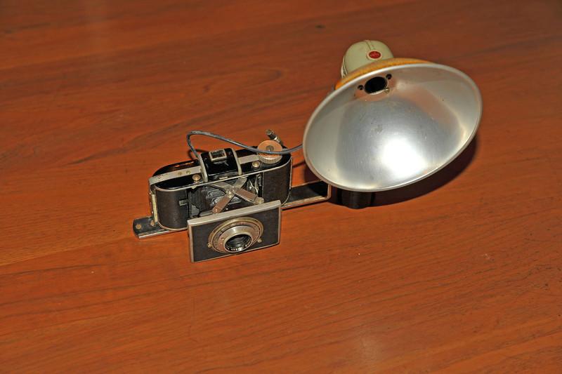 Vintage Antique Cameras - AFTER cleaning and testing - Kodak Flash Bantam