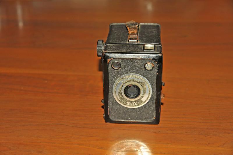 Vintage Antique Cameras - AFTER cleaning and testing - Voigtlander Box Camera