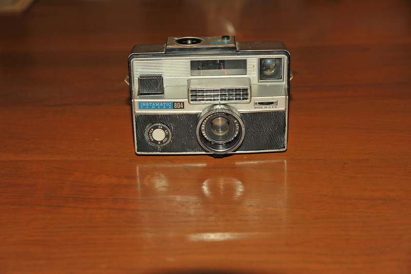 Vintage Antique Cameras - AFTER cleaning and testing - Kodak Instamatic 804