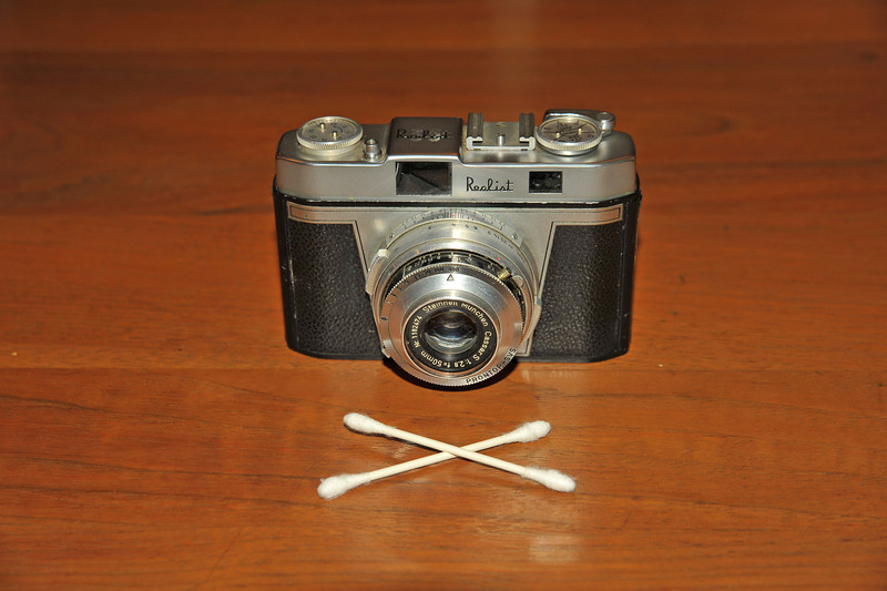 Vintage Antique Cameras - AFTER cleaning and testing - Realist Prontop SVS