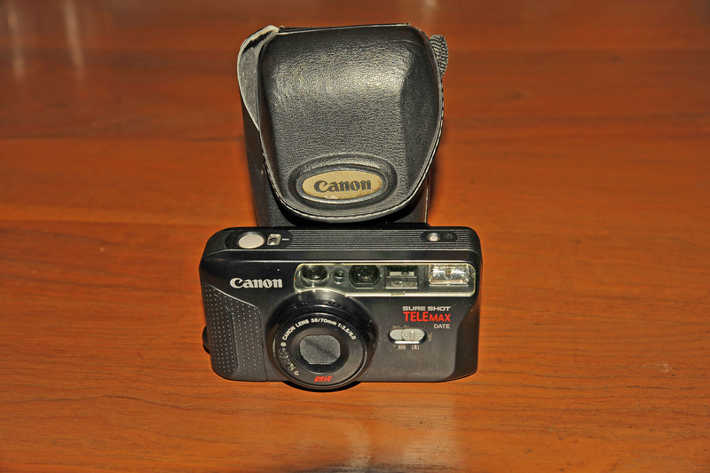 Vintage Antique Cameras - AFTER cleaning and testing - Canon Sureshot Telemax Date