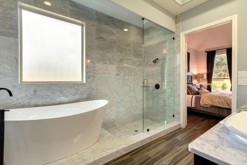 Bath1_2_HDR