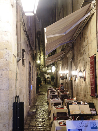 Stradun side alley