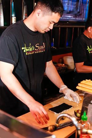 Chef Yosoke Kyutoku preparing a California Roll.