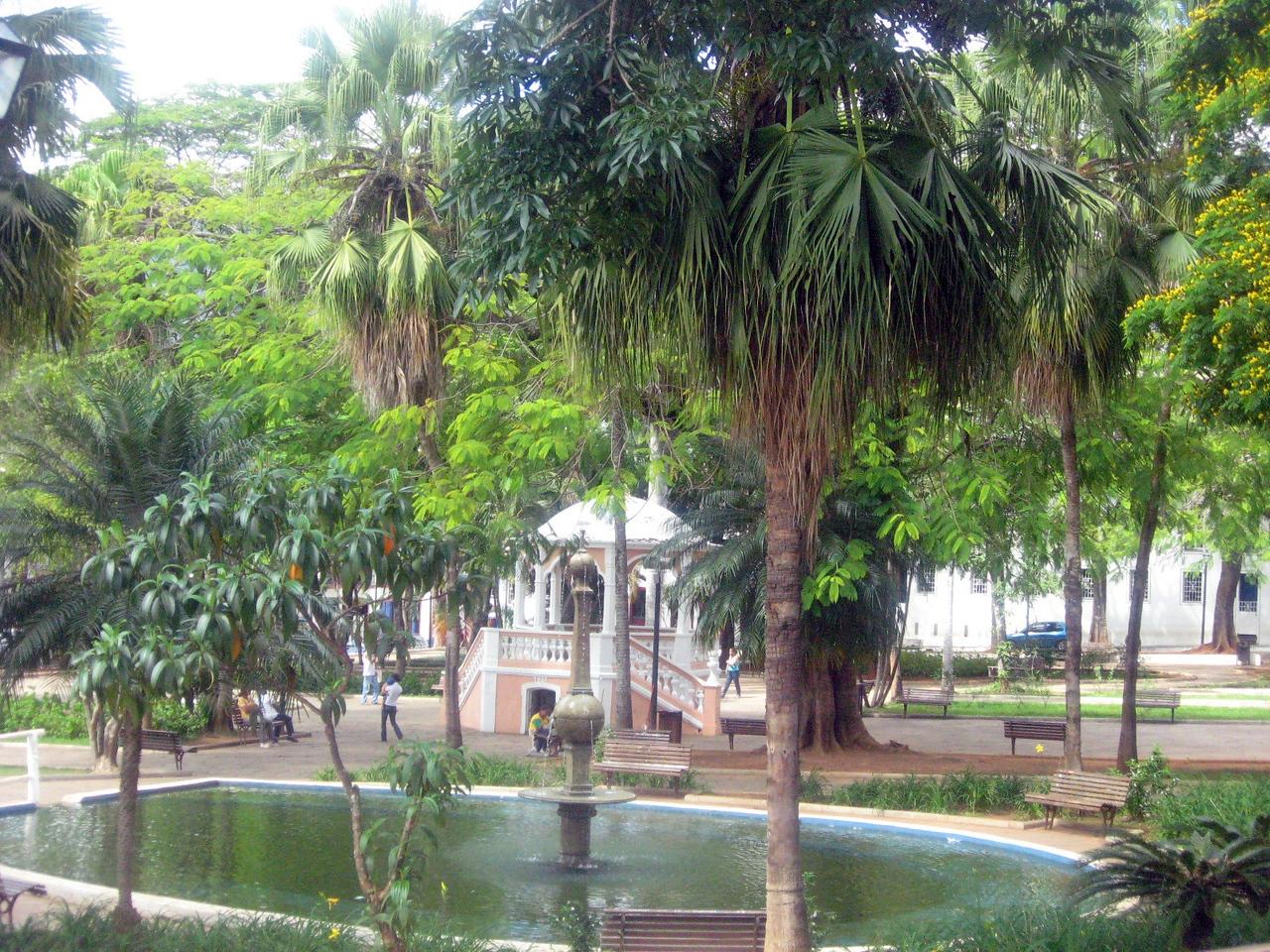 The town's garden square--Praca Gomes Freire.