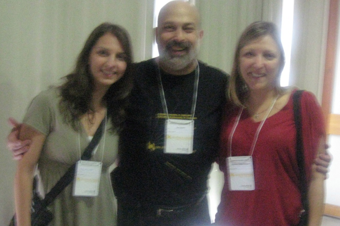 Throughout one session, these two translation students (Ligia and Juliana) were my personal Portugese-English translators.