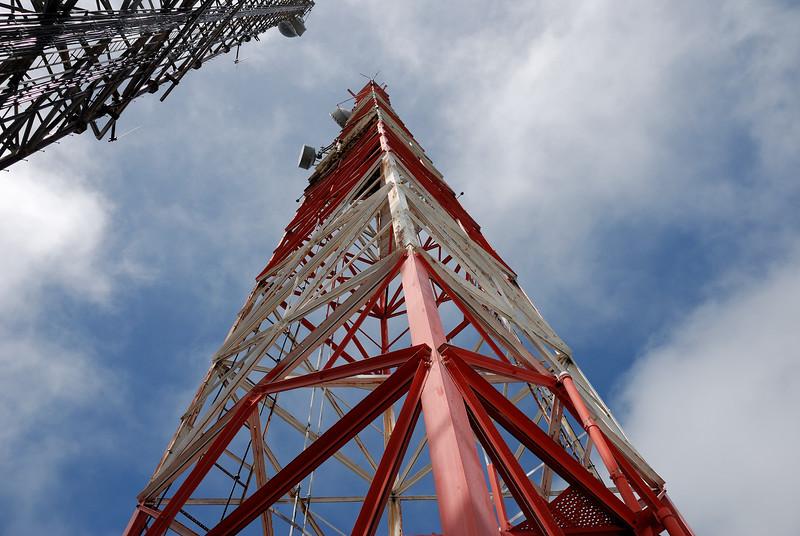 Kulani Tower, open leg to mount the HPR antennas.