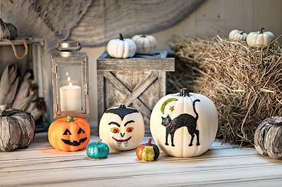 Craft_CIY_Glitter Dot Pumpkins_L05