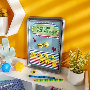 Craft_CIY_Summer_Emoji Magnet Board_L03
