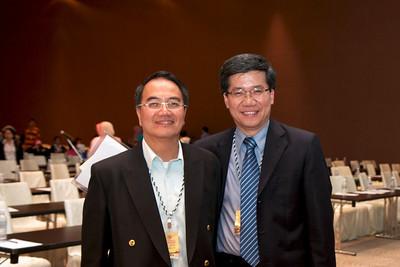Dr Kok Keng Weng and Dr Ng Soo Chin.