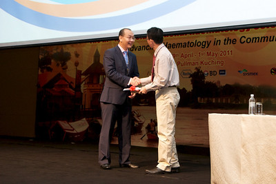 Planery 3 was delivered by Assoc Prof Chng Wee Joo. His topic was Advances of Cancer Genetics and Genomics. Dr Lau Lee Gong was the moderator.