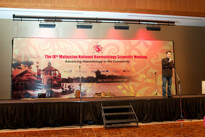 Dr Lau Lee Gong giving the opening speech. Gala Dinner for the Scientific Meeting - 30th April 2011.