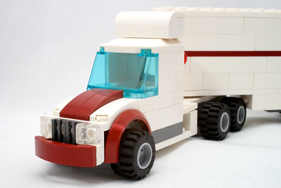 Prime Mover + Refrigerated Trailer
