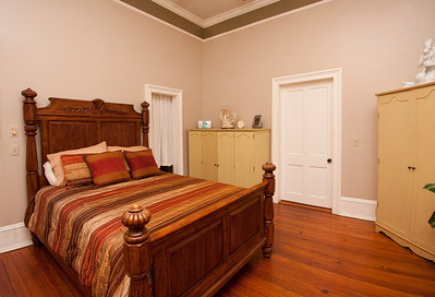 120305_FSTM_018 Bed Standard