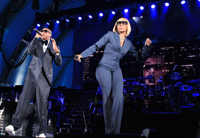 Jay-Z (L) and Mary J. Blige perform live at The Hollywood Bowl April 16, 2008, in Los Angeles, CA. (photo by Katy Winn/Corbis)