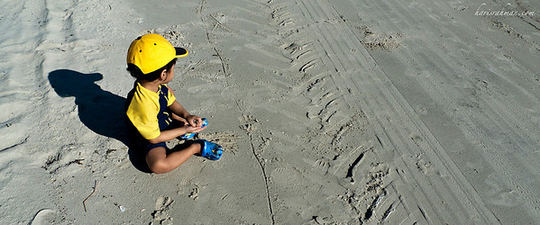 PD Day 1-15 - Lonely at the beach  Idlan contemplating what to build from the sand.