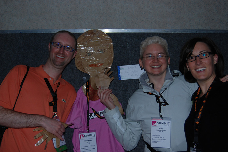 Flat Lesley with some of us Summit Peeps. (that's my good friend Mary Mac! It was so good to see her.)