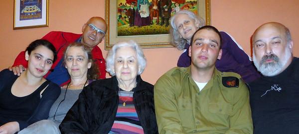 The whole crew (l to r): Abigail, Joan, Sas, Gert, Esther, Reggie, Joel