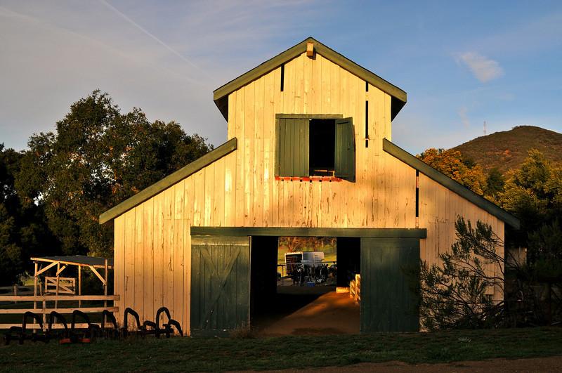 DSC_6156 Barn on Set, Shasta, L.A.