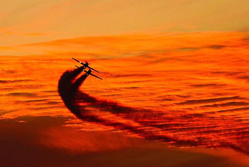 jets in the sunset