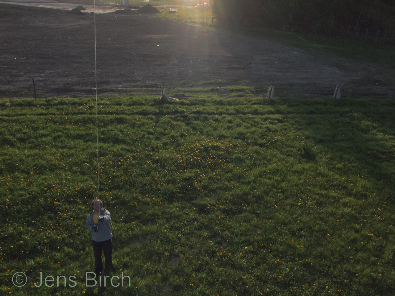 My first venture into KAP. I tested my new 2.15 m rokaku kite which pulled so much that I could't resist tying the camera strap halfway up the kite line.