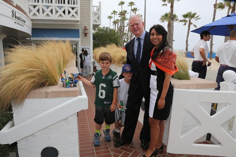 Guest Speaker Sports Orthopedic Surgeon Robert Watkins III, M.D., with President Alpa Patel and two of his grandchildren<br /> EN8A7708