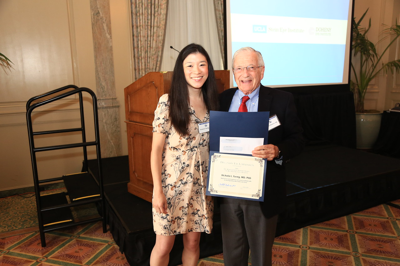 """First place winner Victoria Tseng from the Jules Stein Eye Institute on the subject:  """"Risk Factors and Long Term Outcomes in Patients with Ocular Hypotony after Trabeculectomy"""""""