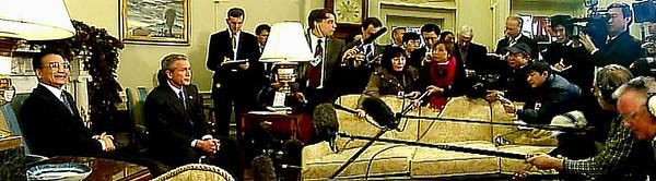 06-《蕭燕於美國白宮拍攝布什會見溫家寶》