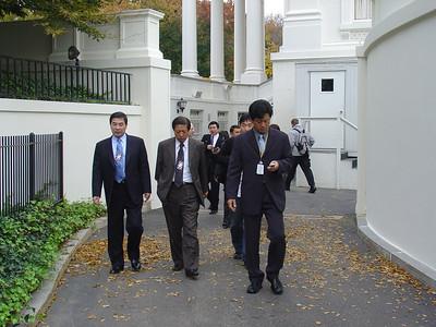 《步出白宫》