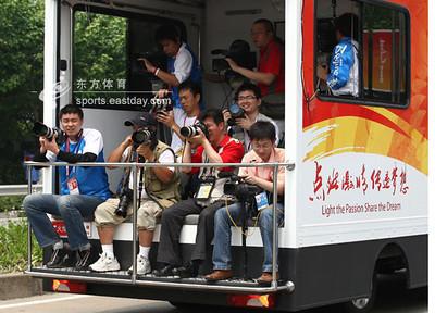 09-《蕭燕於2008北京奧運會火炬接力媒體車上》2008