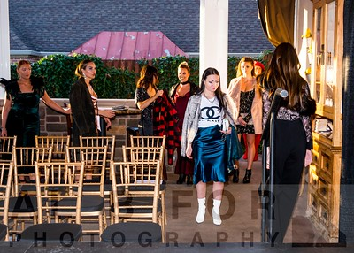 Oct 14, 2019 Fall Fashion show at Giumarello's
